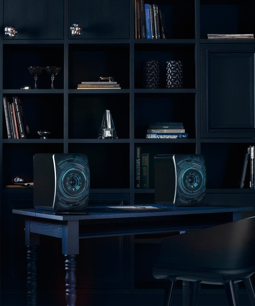 KEF LS50 Nocturne Edition Desk